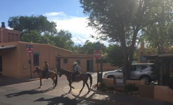 horseriders on the old santa fe trail